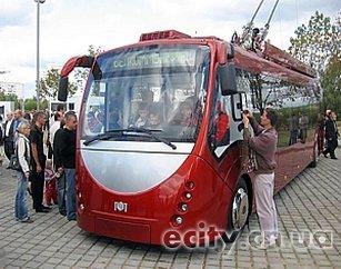 """в Чернигове презентуют первый троллейбус марки """"Эталон-Белкоммунмаш"""""""