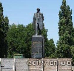 В Чернигове отремонтируют памятник Ленину
