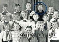 Одноклассница Януковича: Витя нравился девочкам, разводил голубей и был похож на Лермонтова