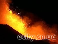 Извержение вулкана Этна на Сицилии в Италии